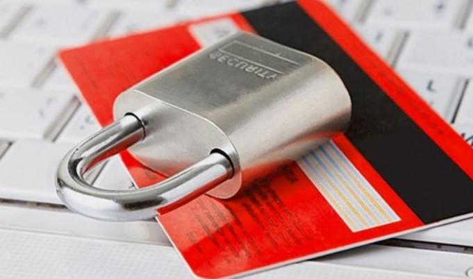 Закрытие кредитной карты онлайн или в отделение банка занимает около 45 дней, при условии, что задолженность перед банком полностью погашена